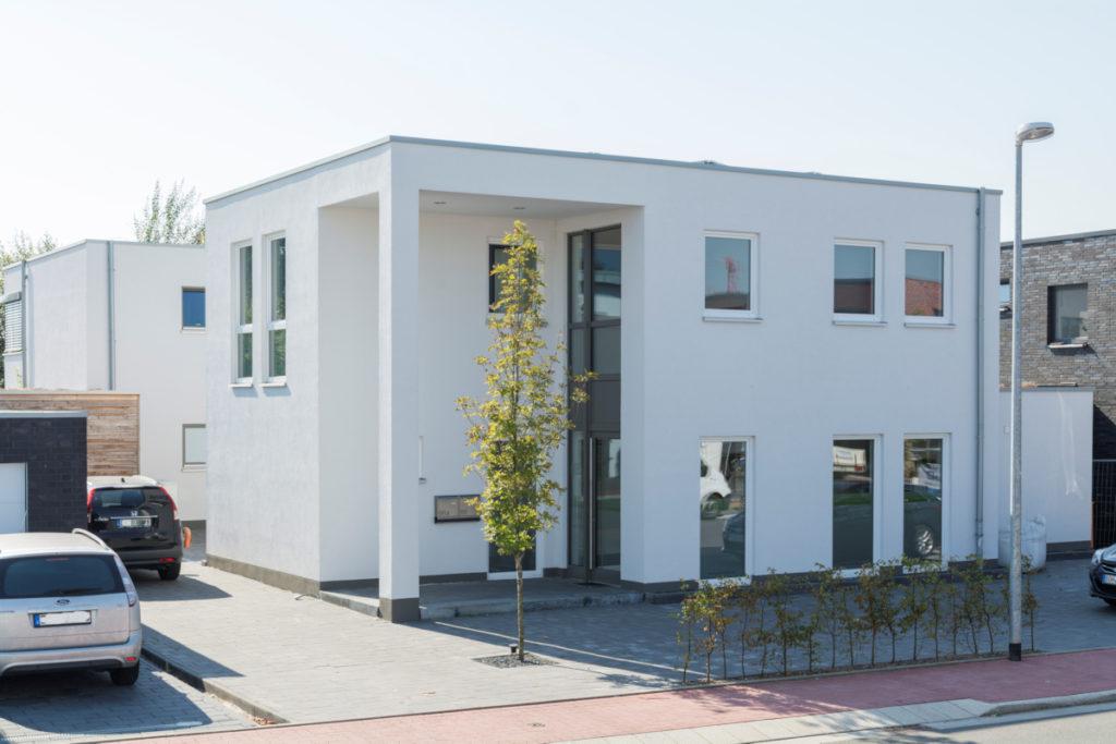 Bürogebäude in Holzbauweise Putzfassade