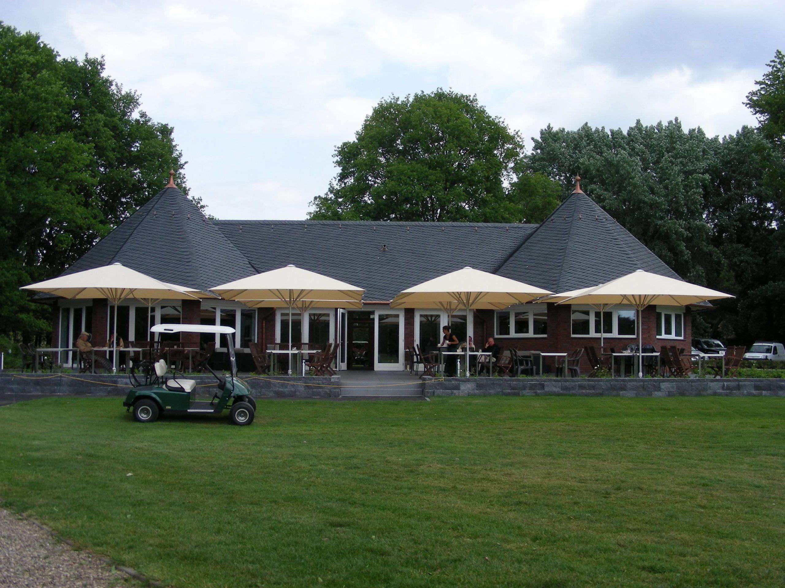 Golfclub Wasserburg Anholt Holzbauweise