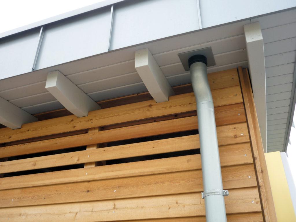 Holzfassade Lärche Stülpschalung