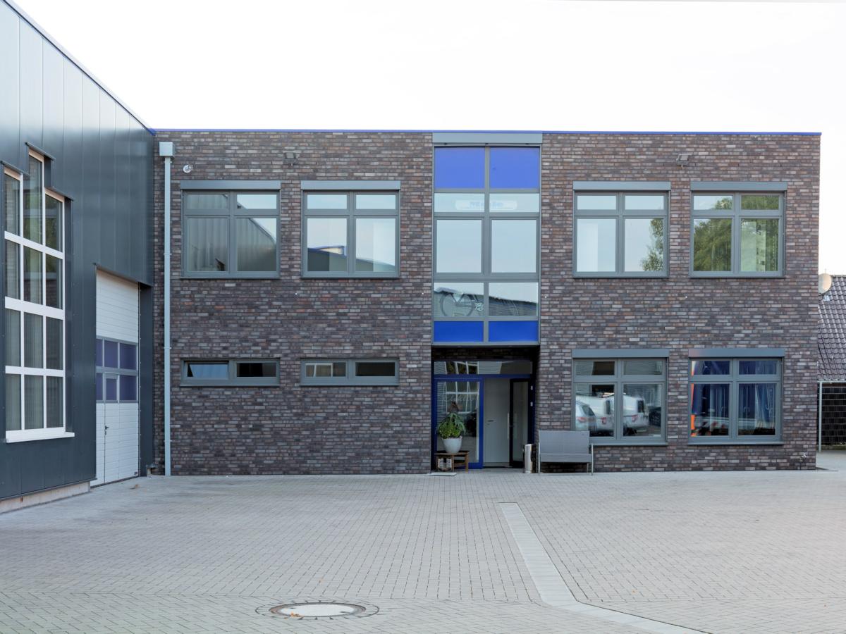 Büro und Verwaltungsgebüude in Holzrahmenbauweise