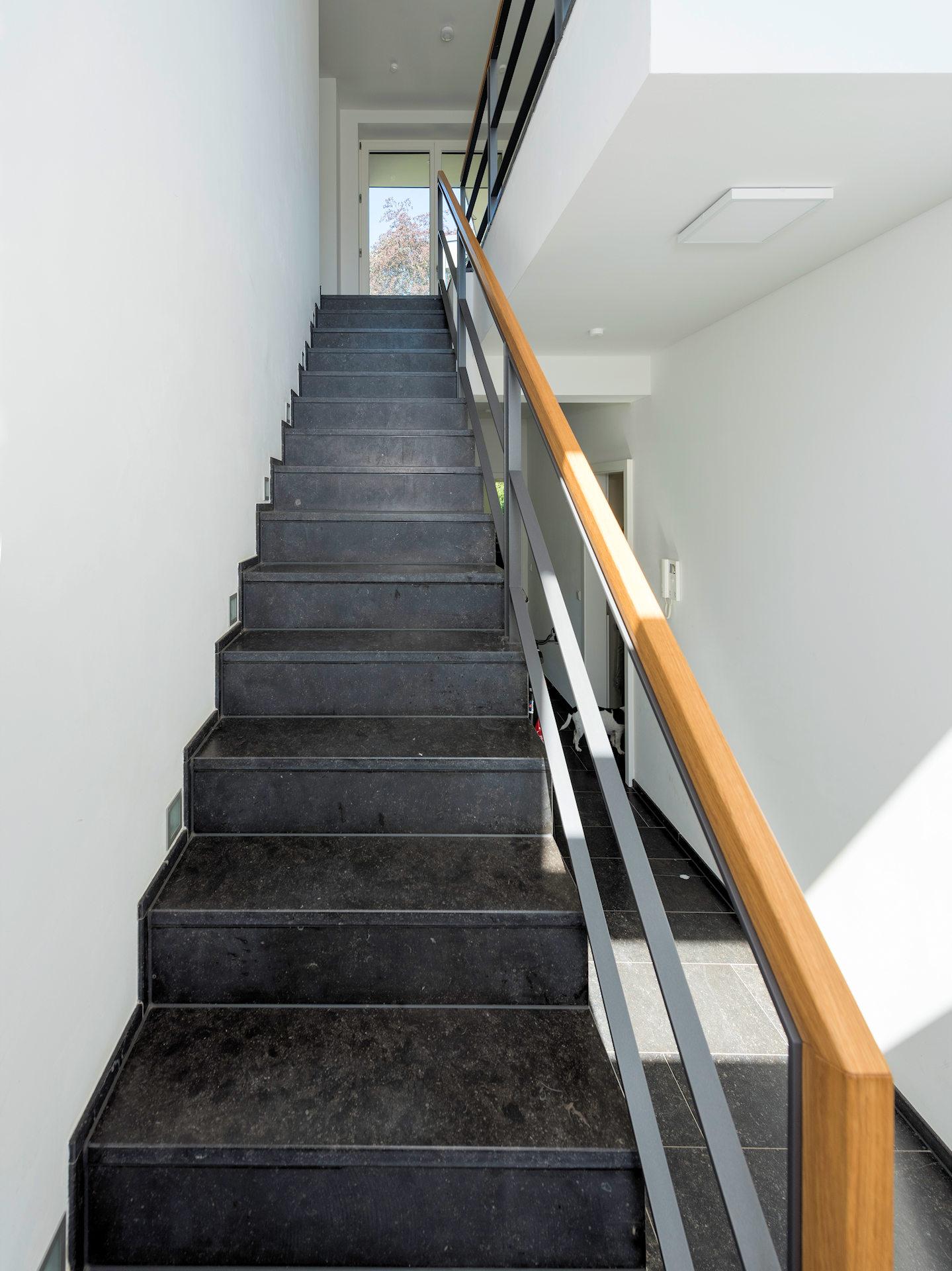 Falttreppe aus Steingut